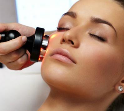 Ραδιοσυχνότητες RF για λείανση & άμεση σύσφιξη του δέρματος σε πρόσωπο, μάτια & λαιμό